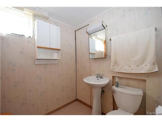 Photo 15: Photos: 1127 Rothesay Street in WINNIPEG: North Kildonan Residential for sale (North East Winnipeg)  : MLS®# 1512916