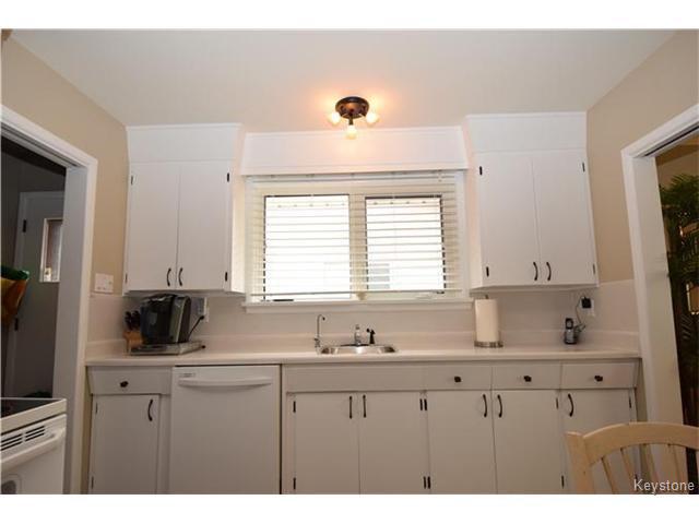 Photo 7: Photos: 1127 Rothesay Street in WINNIPEG: North Kildonan Residential for sale (North East Winnipeg)  : MLS®# 1512916