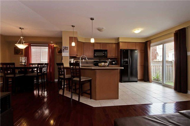 Photo 11: Photos: 849 Gifford Crest in Milton: Coates House (2-Storey) for sale : MLS®# W3301016