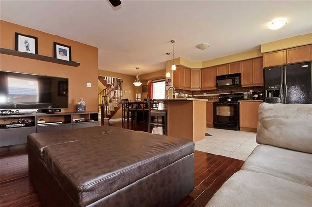 Photo 10: Photos: 849 Gifford Crest in Milton: Coates House (2-Storey) for sale : MLS®# W3301016