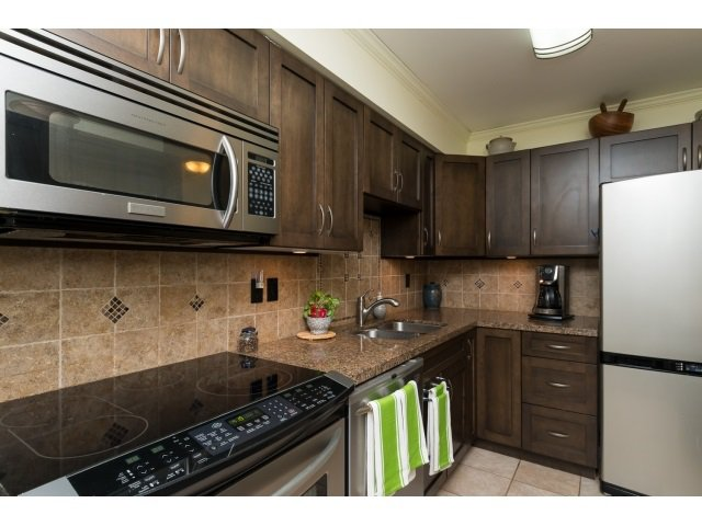 "Photo 10: Photos: 207 15991 THRIFT Avenue: White Rock Condo for sale in ""The Arcadian"" (South Surrey White Rock)  : MLS®# R2003666"