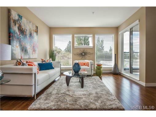 Main Photo: 210 1405 Esquimalt Rd in VICTORIA: Es Saxe Point Condo Apartment for sale (Esquimalt)  : MLS®# 719411