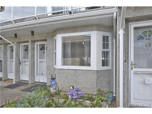 Main Photo: 66 2600 Ferguson Rd in SAANICHTON: CS Turgoose Row/Townhouse for sale (Central Saanich)  : MLS®# 726091