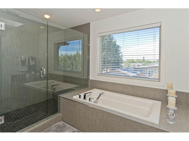 Photo 33: Photos: 418 25 Avenue NE in Calgary: Winston Heights/Mountview House for sale : MLS®# C4068652