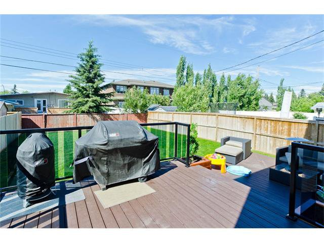 Photo 49: Photos: 418 25 Avenue NE in Calgary: Winston Heights/Mountview House for sale : MLS®# C4068652