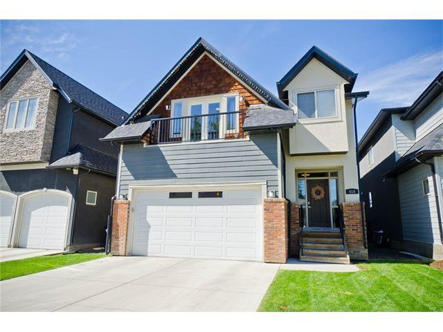 Photo 1: Photos: 418 25 Avenue NE in Calgary: Winston Heights/Mountview House for sale : MLS®# C4068652