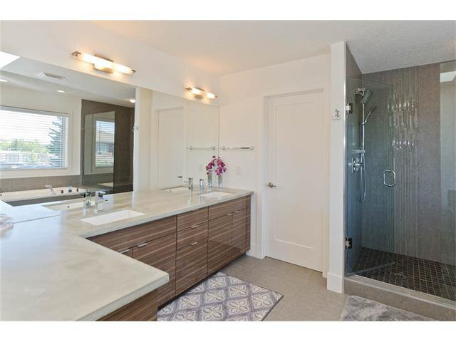 Photo 32: Photos: 418 25 Avenue NE in Calgary: Winston Heights/Mountview House for sale : MLS®# C4068652