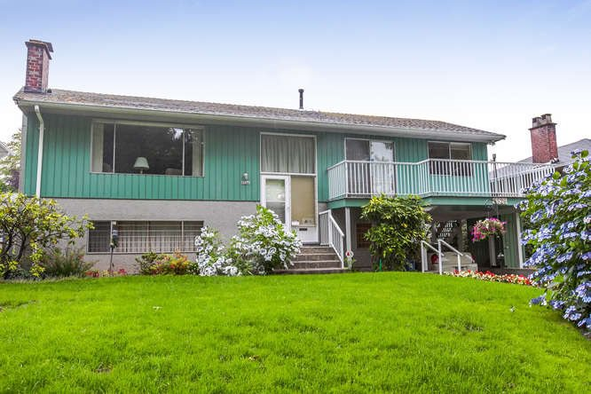 Main Photo: 8526 16TH Avenue in Burnaby: The Crest House for sale (Burnaby East)  : MLS®# R2090864