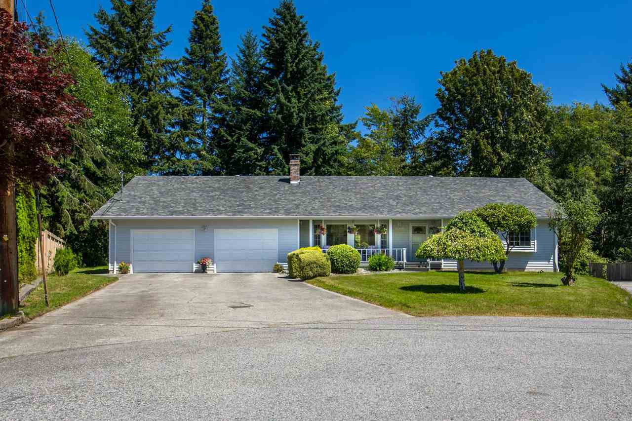 "Main Photo: 1524 CYPRESS Way in Gibsons: Gibsons & Area House for sale in ""WOODCREEK PARK"" (Sunshine Coast)  : MLS®# R2094011"