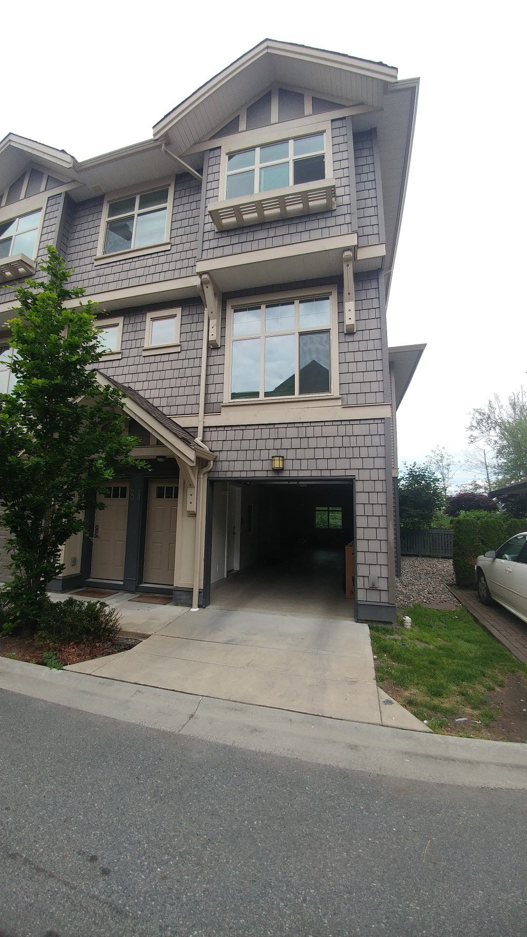 Photo 1: Photos: 19-31125 Westridge Pl in Abbotsford: Abbotsford West Townhouse for rent
