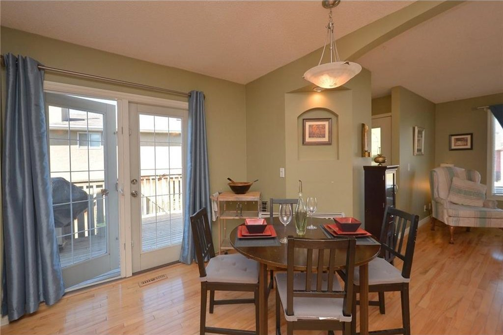 Photo 9: Photos: 267 GLENPATRICK Drive: Cochrane House for sale : MLS®# C4139469