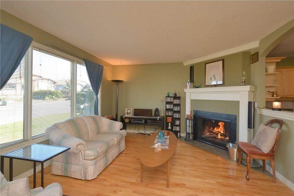 Photo 3: Photos: 267 GLENPATRICK Drive: Cochrane House for sale : MLS®# C4139469