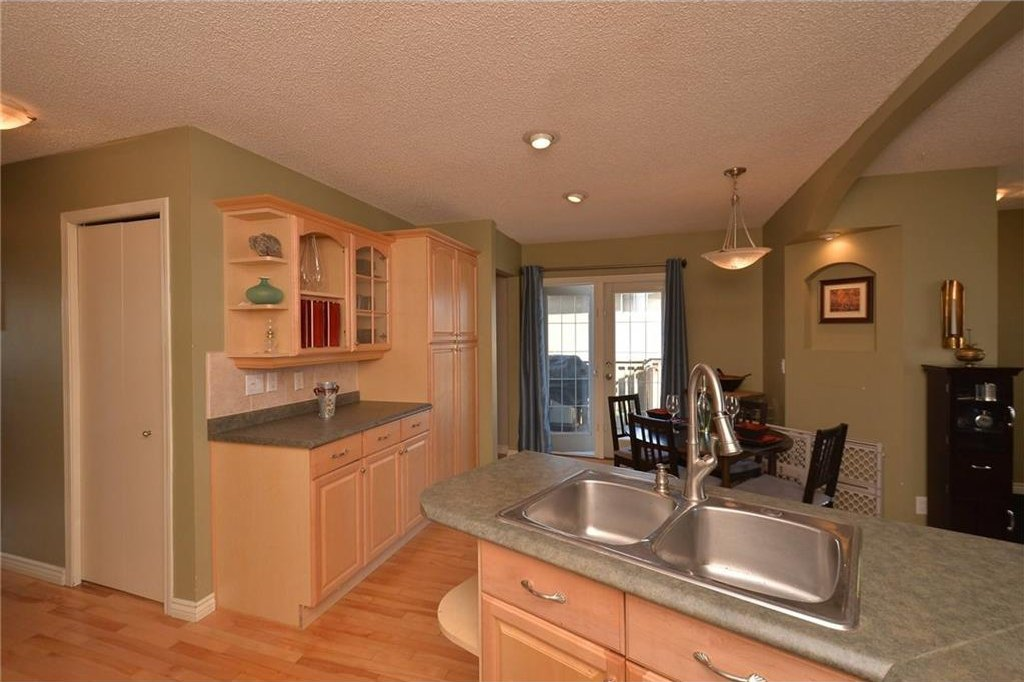 Photo 16: Photos: 267 GLENPATRICK Drive: Cochrane House for sale : MLS®# C4139469