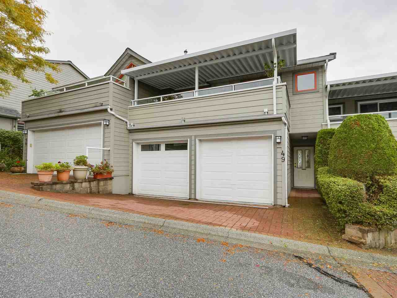 "Main Photo: 49 323 GOVERNORS Court in New Westminster: Fraserview NW Townhouse for sale in ""GOVERNORS COURT"" : MLS®# R2213153"