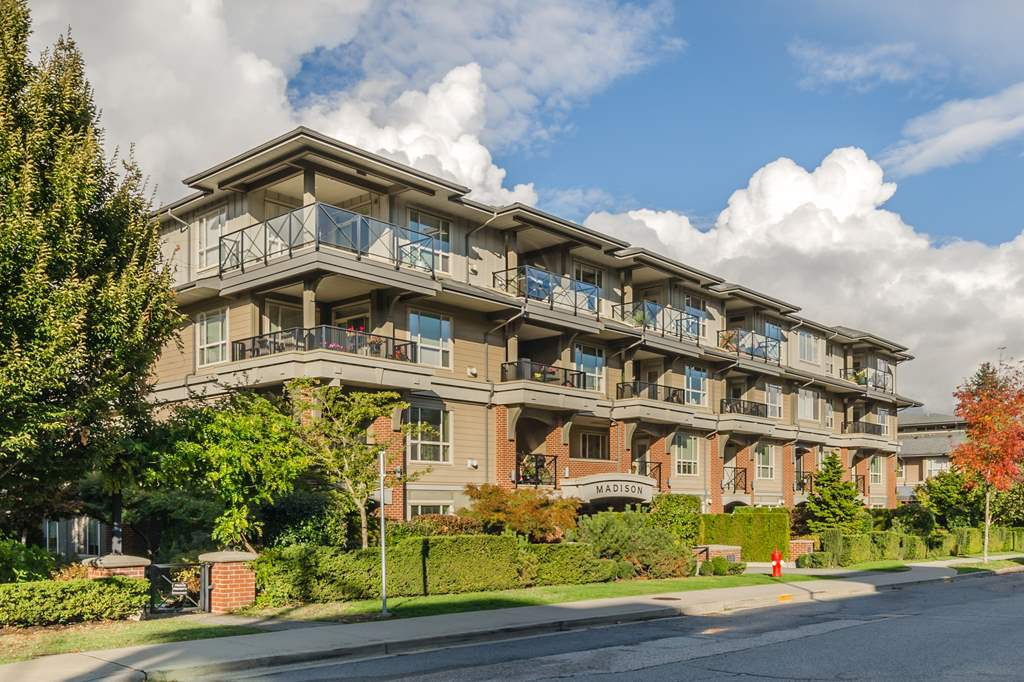 "Main Photo: 401 15357 17A Avenue in Surrey: King George Corridor Condo for sale in ""Madison"" (South Surrey White Rock)  : MLS®# R2213852"