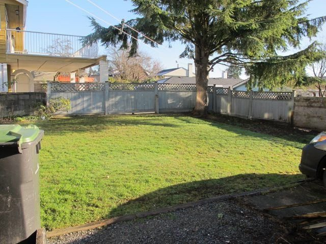 """Photo 17: Photos: 36 E TENTH Avenue in New Westminster: The Heights NW House for sale in """"The Heights"""" : MLS®# R2225208"""