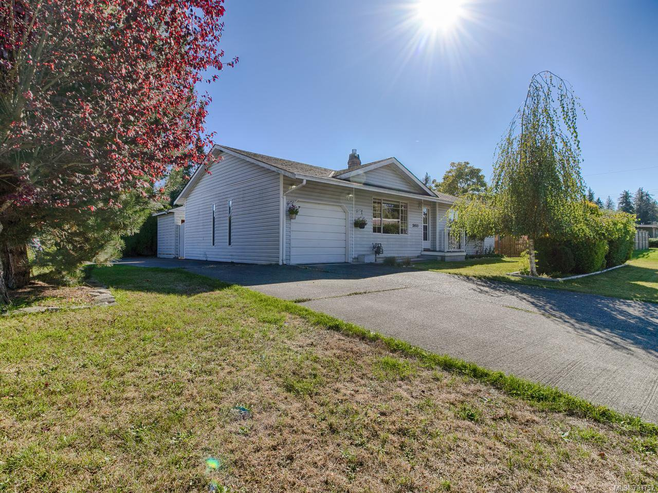 Main Photo: 2800 Apple Dr in CAMPBELL RIVER: CR Willow Point House for sale (Campbell River)  : MLS®# 793752