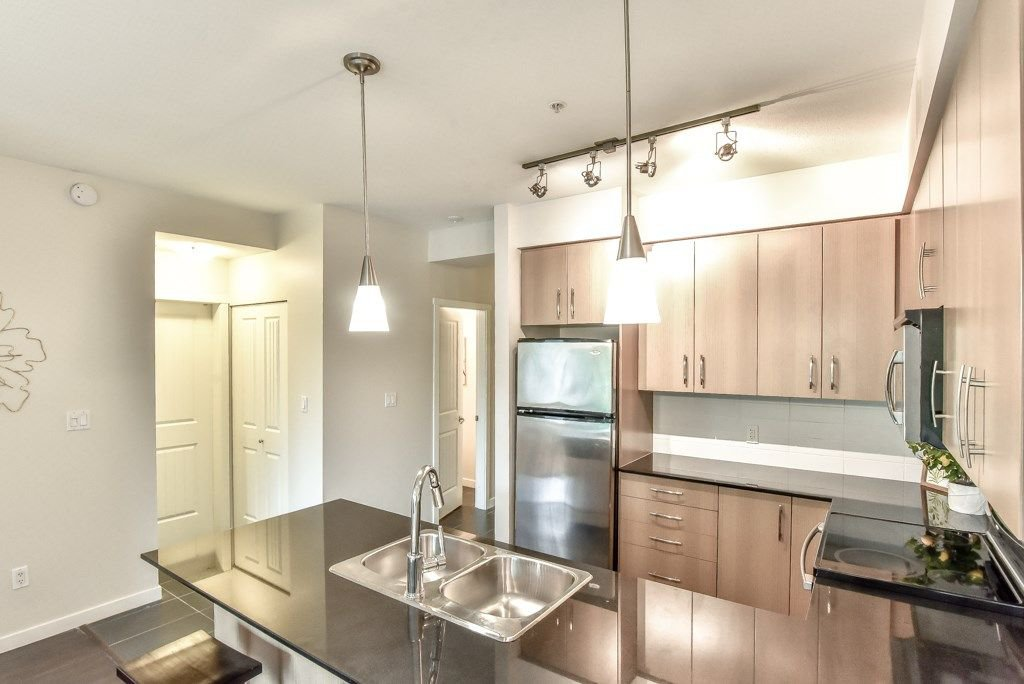 "Photo 10: Photos: 308 22290 NORTH Avenue in Maple Ridge: West Central Condo for sale in ""Solo"" : MLS®# R2309801"