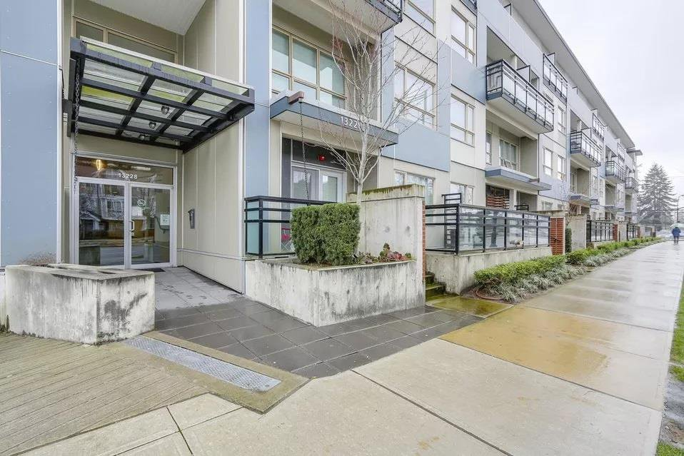 """Main Photo: 324 13228 OLD YALE Road in Surrey: Whalley Condo for sale in """"CONNECT"""" (North Surrey)  : MLS®# R2376372"""