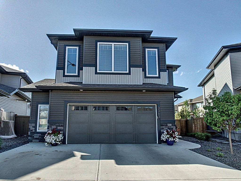 Main Photo: 3363 Hilton Crescent NW in Edmonton: Zone 58 House for sale : MLS®# E4160188