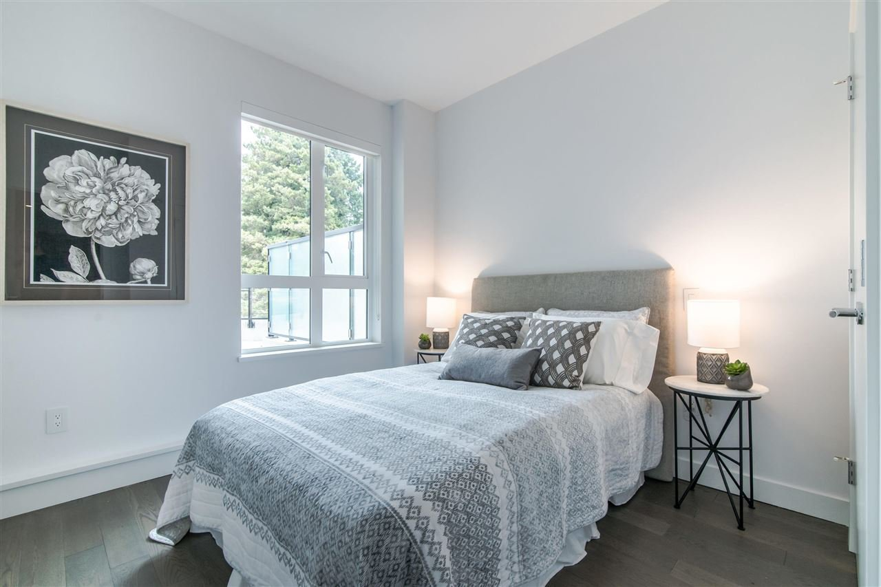 "Photo 12: Photos: 216 3220 CONNAUGHT Crescent in North Vancouver: Edgemont Condo for sale in ""THE CONNAUGHT"" : MLS®# R2384833"