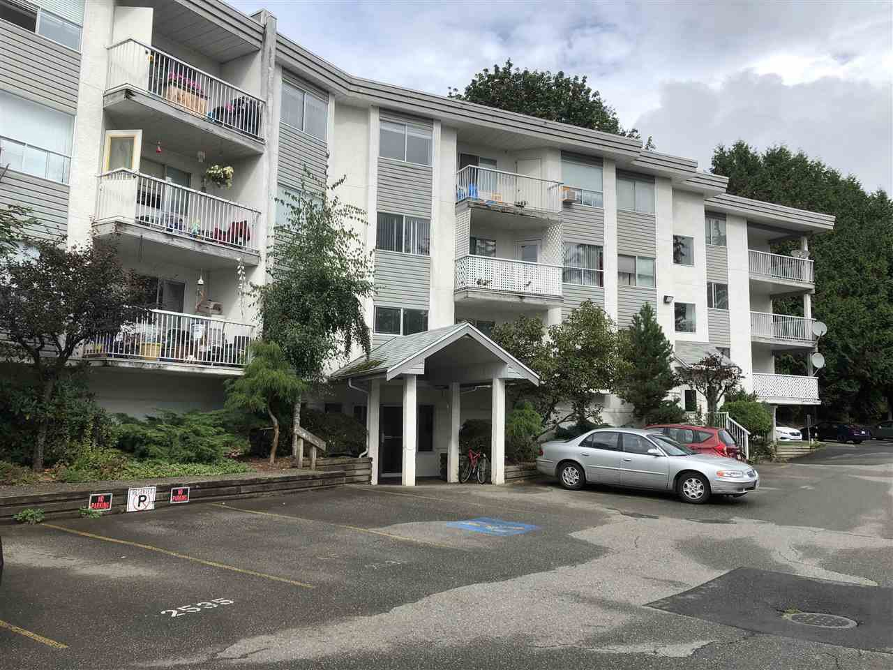 Main Photo: 208 2535 HILL-TOUT Street in Abbotsford: Abbotsford West Condo for sale : MLS®# R2402819