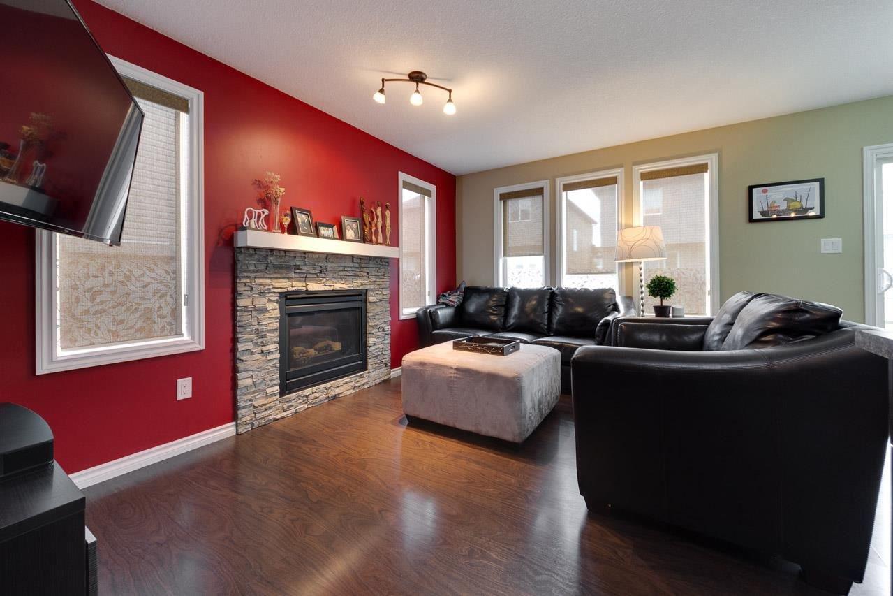 Main Photo: 6835 SPEAKER Vista in Edmonton: Zone 14 House Half Duplex for sale : MLS®# E4176577