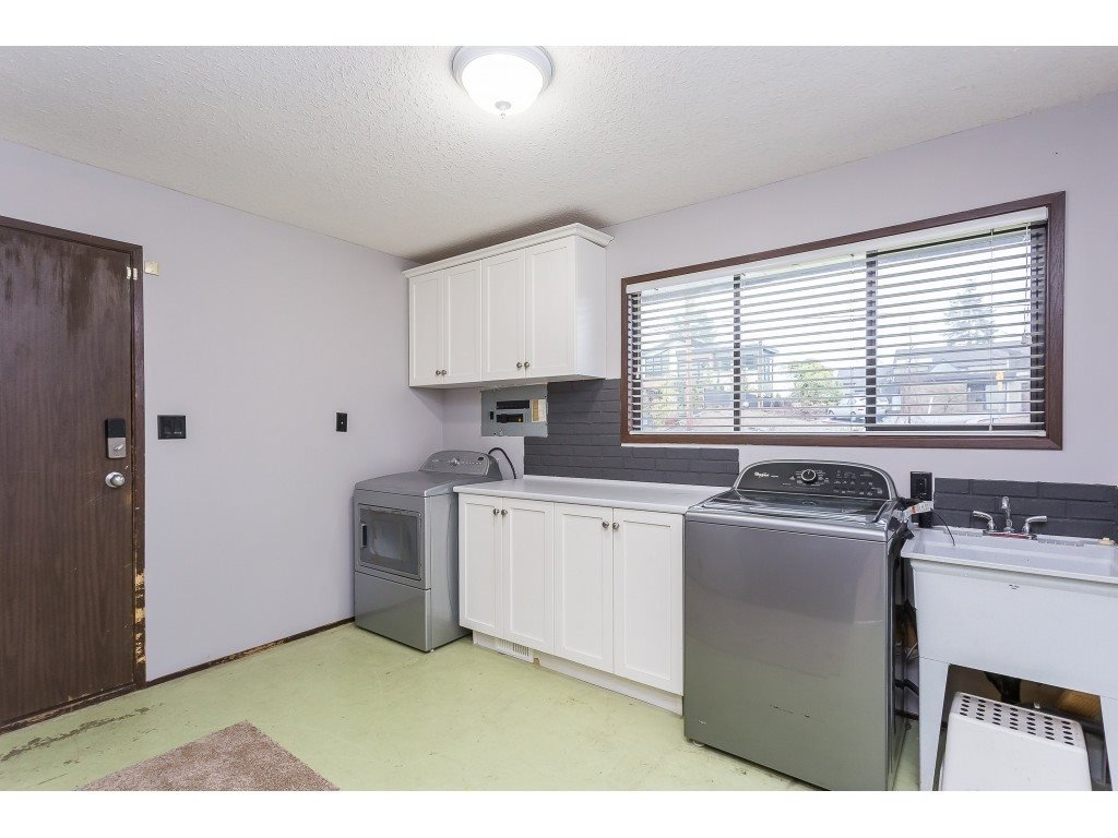 Photo 18: Photos: 33233 WHIDDEN Avenue in Mission: Mission BC House for sale : MLS®# R2424753