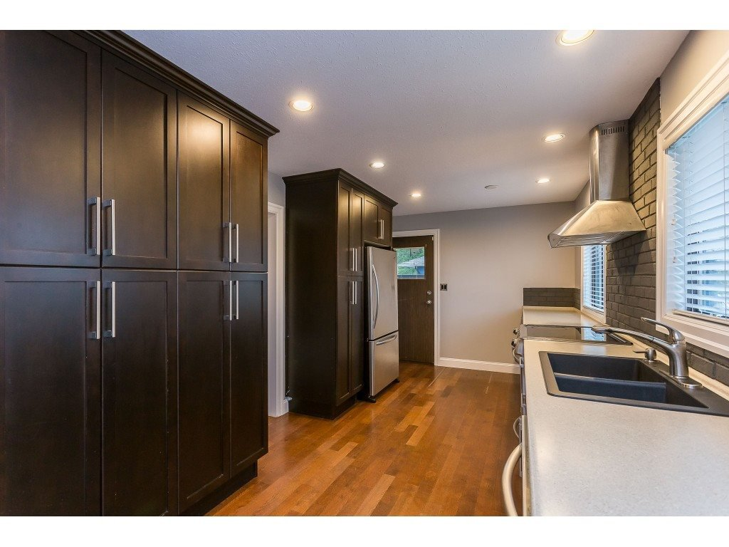 Photo 7: Photos: 33233 WHIDDEN Avenue in Mission: Mission BC House for sale : MLS®# R2424753
