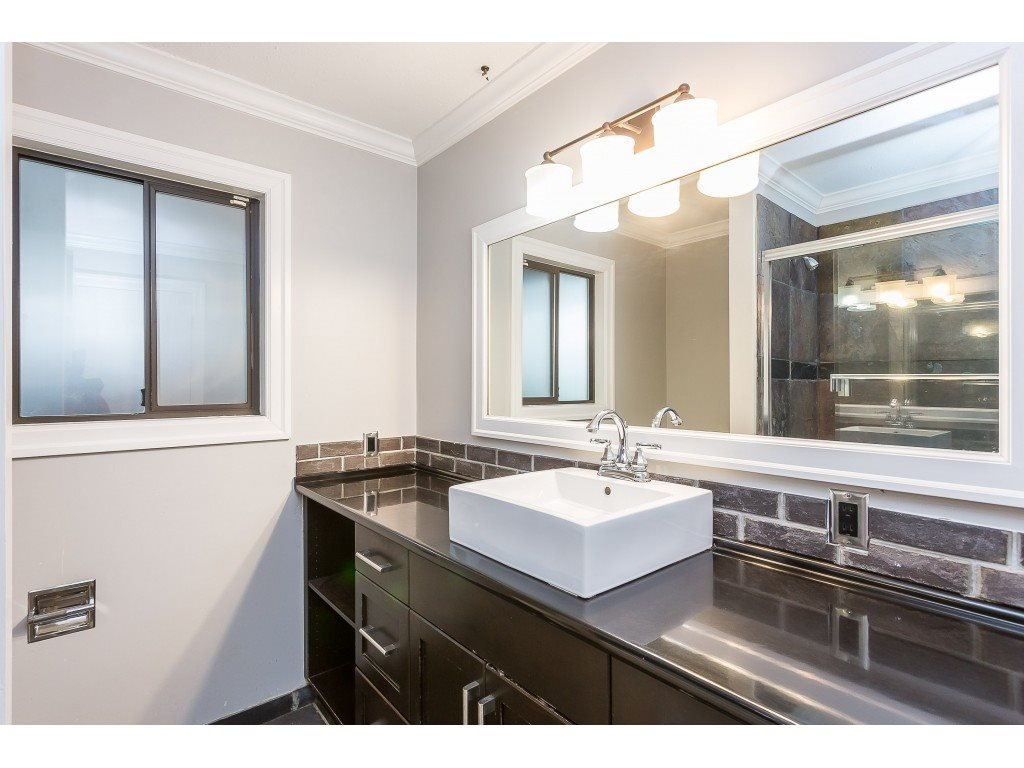 Photo 11: Photos: 33233 WHIDDEN Avenue in Mission: Mission BC House for sale : MLS®# R2424753