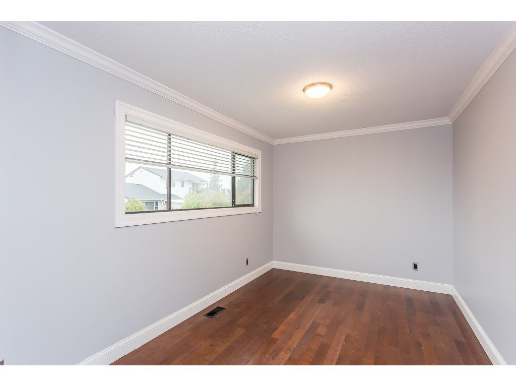 Photo 12: Photos: 33233 WHIDDEN Avenue in Mission: Mission BC House for sale : MLS®# R2424753