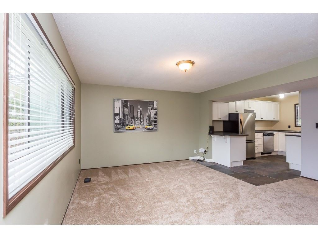 Photo 13: Photos: 33233 WHIDDEN Avenue in Mission: Mission BC House for sale : MLS®# R2424753
