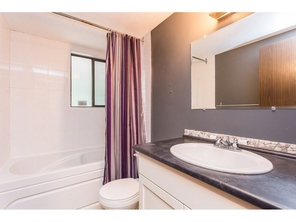 Photo 17: Photos: 33233 WHIDDEN Avenue in Mission: Mission BC House for sale : MLS®# R2424753