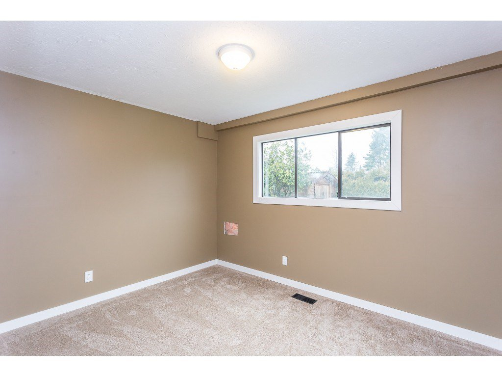 Photo 16: Photos: 33233 WHIDDEN Avenue in Mission: Mission BC House for sale : MLS®# R2424753