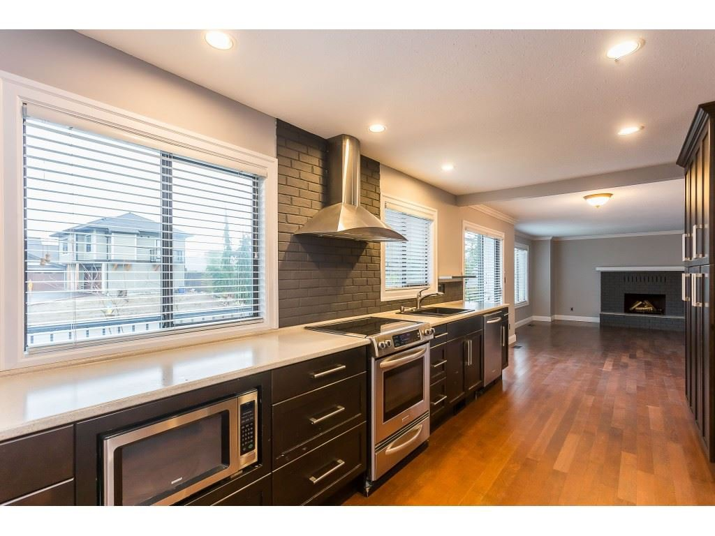 Photo 9: Photos: 33233 WHIDDEN Avenue in Mission: Mission BC House for sale : MLS®# R2424753