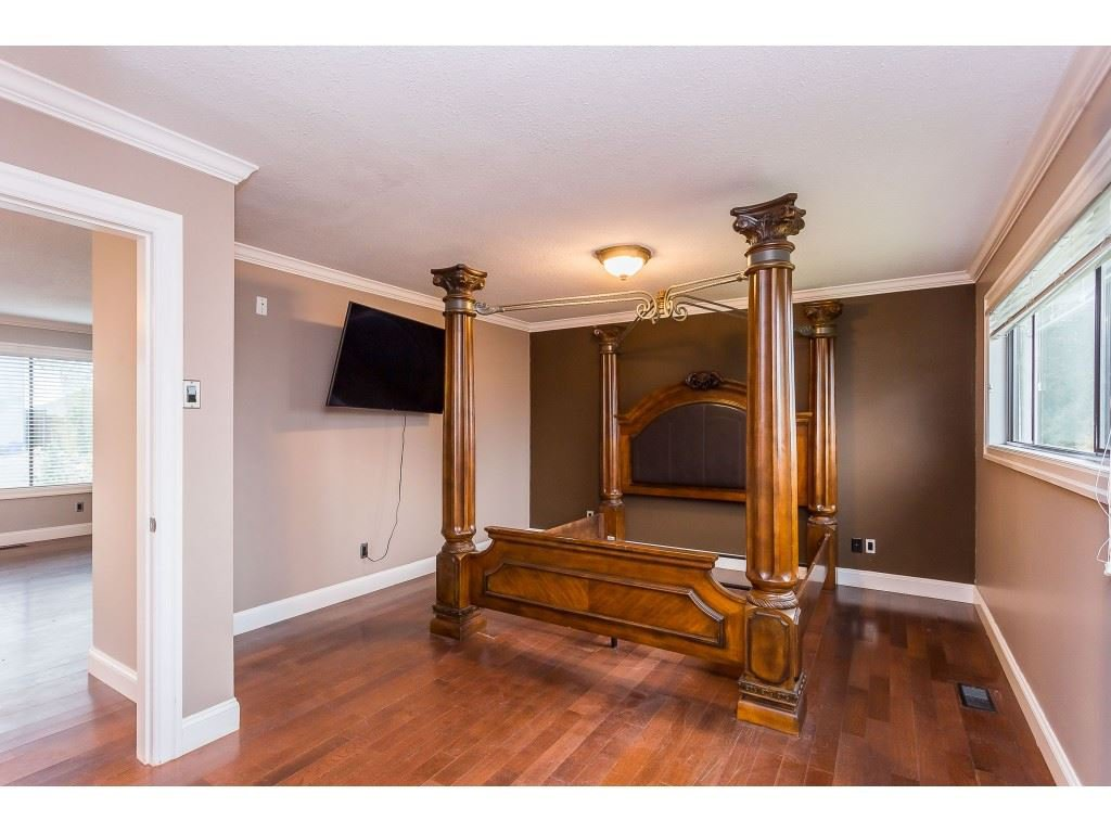 Photo 10: Photos: 33233 WHIDDEN Avenue in Mission: Mission BC House for sale : MLS®# R2424753