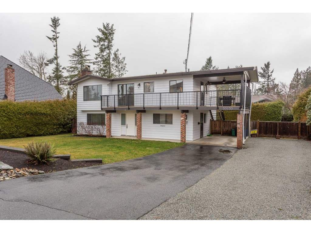 Main Photo: 33233 WHIDDEN Avenue in Mission: Mission BC House for sale : MLS®# R2424753