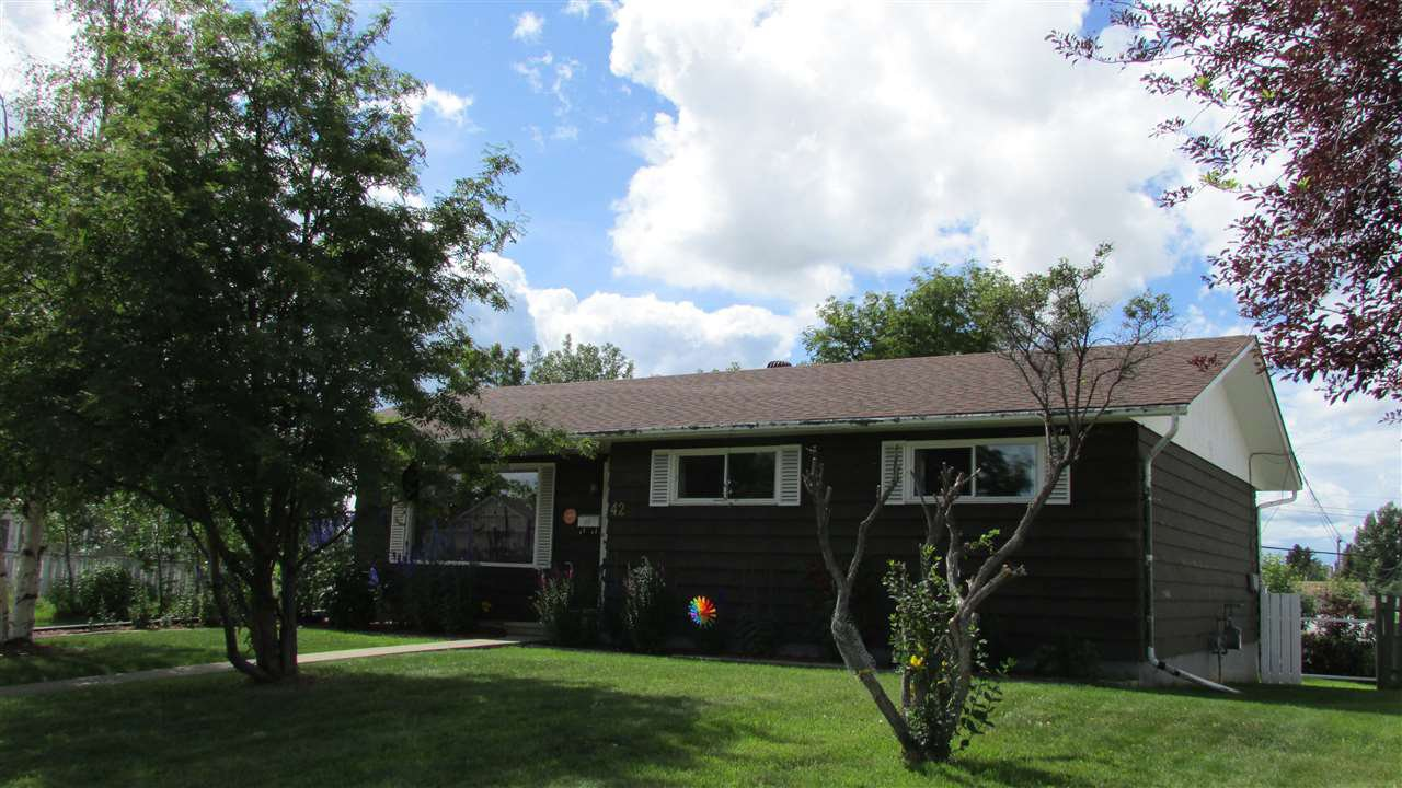 "Main Photo: 42 PRINCESS Crescent in Fort St. John: Fort St. John - City NE House for sale in ""PRINCESS CRESCENT"" (Fort St. John (Zone 60))  : MLS®# R2479127"