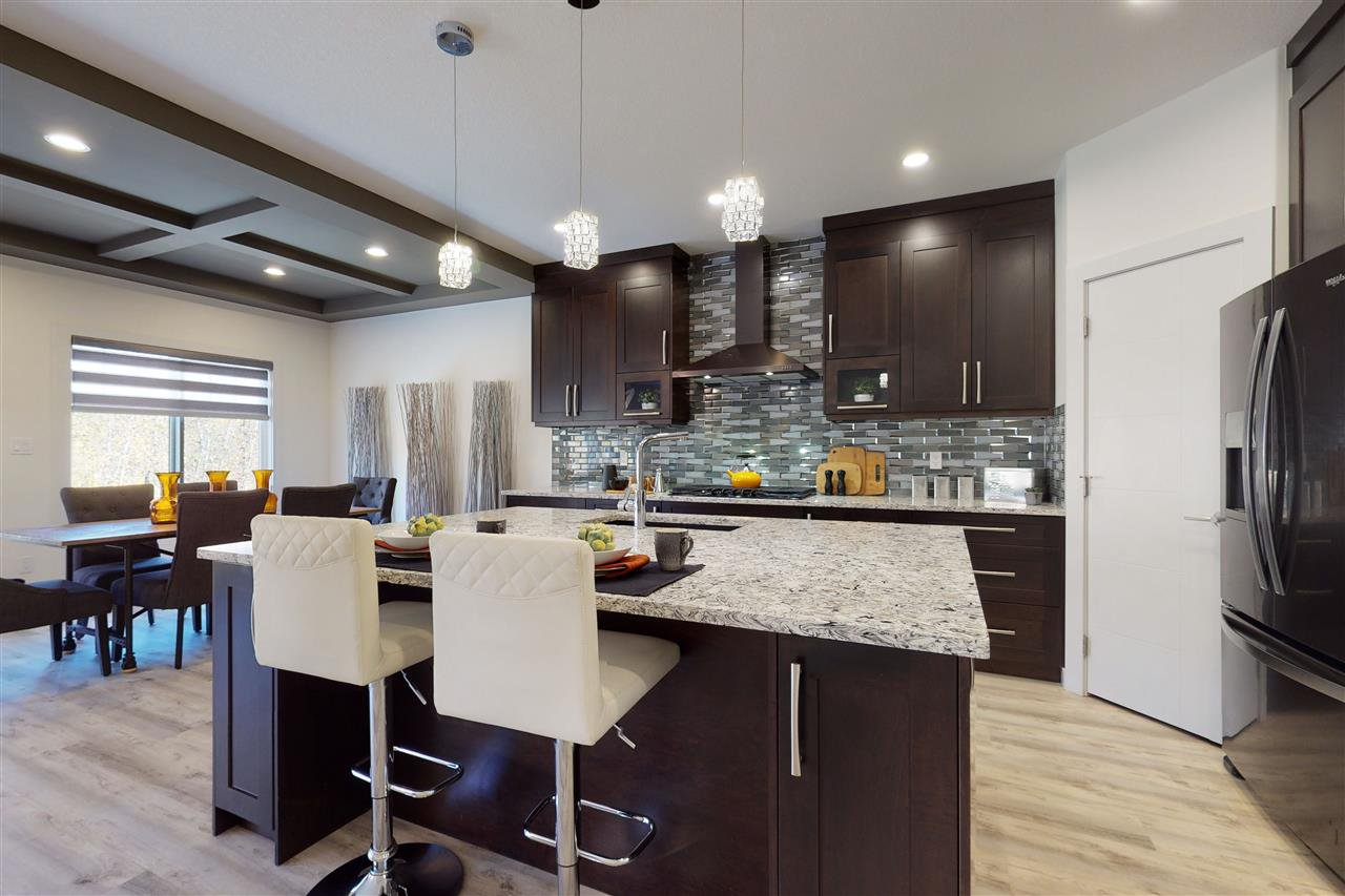 Main Photo: 3734 Hummingbird Way in Edmonton: Zone 59 House for sale : MLS®# E4216896