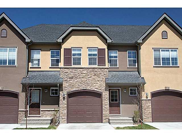 Main Photo: 435 Quarry Villa SE in : Quarry Park Townhouse for sale (Calgary)  : MLS®# C3615152