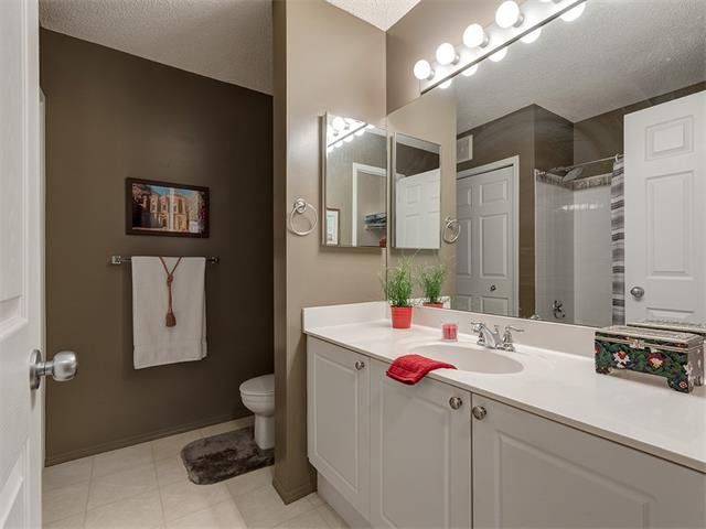 Photo 23: Photos: 111 8 COUNTRY VILLAGE Bay NE in Calgary: Country Hills Village Condo for sale : MLS®# C4052961