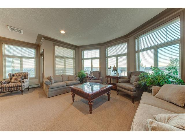 Photo 34: Photos: 111 8 COUNTRY VILLAGE Bay NE in Calgary: Country Hills Village Condo for sale : MLS®# C4052961