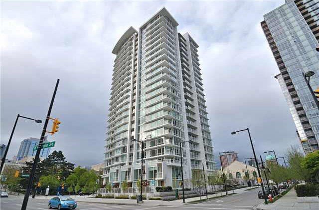 "Main Photo: 1908 161 W GEORGIA Street in Vancouver: Downtown VW Condo for sale in ""COSMO"" (Vancouver West)  : MLS®# R2048438"