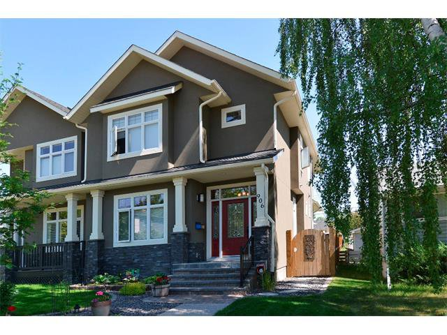 Main Photo: 906 33 Street NW in Calgary: Parkdale House for sale : MLS®# C4071977