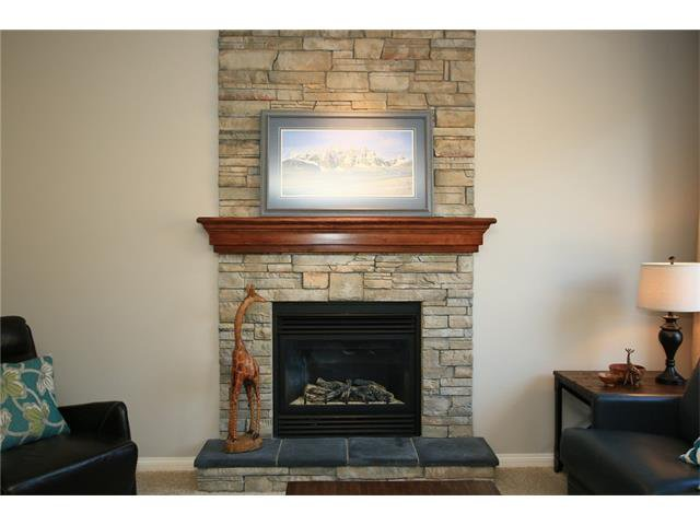 Photo 6: Photos: 188 SUNSET Close: Cochrane House for sale : MLS®# C4115906