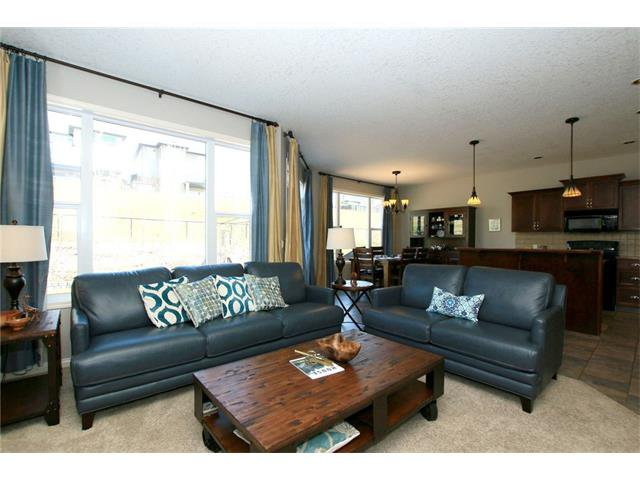 Photo 8: Photos: 188 SUNSET Close: Cochrane House for sale : MLS®# C4115906