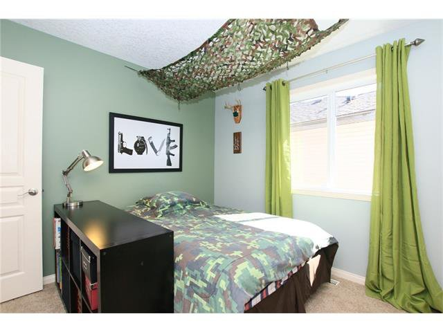 Photo 31: Photos: 188 SUNSET Close: Cochrane House for sale : MLS®# C4115906
