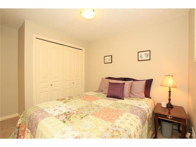 Photo 36: Photos: 188 SUNSET Close: Cochrane House for sale : MLS®# C4115906