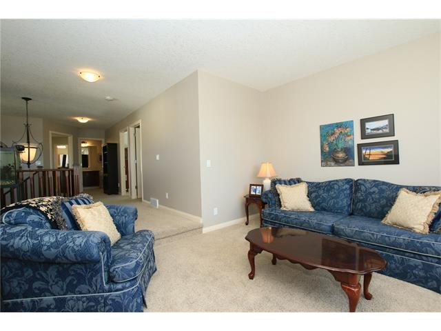 Photo 21: Photos: 188 SUNSET Close: Cochrane House for sale : MLS®# C4115906