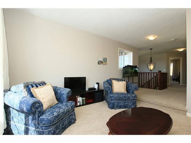Photo 22: Photos: 188 SUNSET Close: Cochrane House for sale : MLS®# C4115906